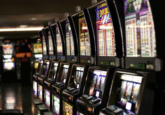 «Бриллиантовые псы»: азарт на деньги и без ставок