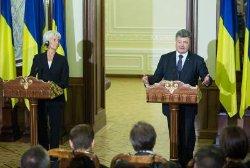 Порошенко разъяснил Лагард ситуацию в Украине