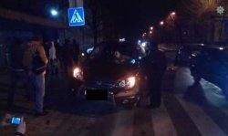 ДТП во Львове: пьяный водитель въехал в автобусную остановку