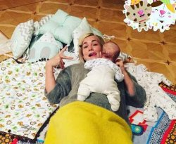 Жена Стаса Костюшкина поделилась трогательным фото с маленьким сыном