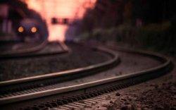 Харьковщина: тепловоз сбил насмерть мужчину, стоящего на рельсах