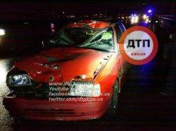 Кровавое ДТП на Дарницком мосту: мужчину разорвало на несколько фрагментов