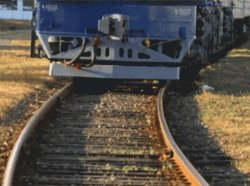 Кировоградщина: 14-летняя девочка кинулась под поезд