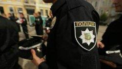 Киев: женщина до крови покусала полицейского