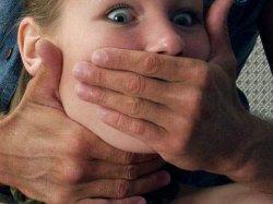 Львовщина: пограничник пытался изнасиловать девушку