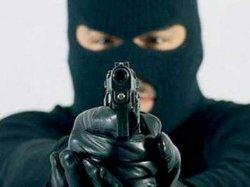 ЧП в столице: бандиты напали на киевлянина и украли 30 тысяч долларов