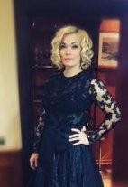 Юлия Костюшкина впервые после родов вышла на сцену