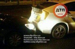В Киеве пьяный лихач на иномарке на огромной скорости влетел в машину патрульных