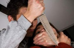 Смертельные разборки на Львовщине: мужчина, разыскивая жену, искромсал ножом ее родственников