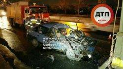 Киев: грузовик раздавил легковушку вместе с водителем