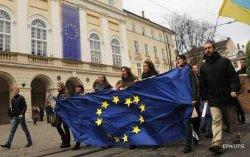 Президент подписал часть важных законов, необходимых для безвизового режима с ЕС
