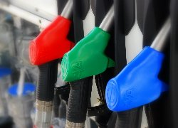 Назвали АЗС, де не варто купувати бензин А-92