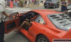 Девушка в красном показала, как управлять суперкаром на высоких каблуках (Видео)