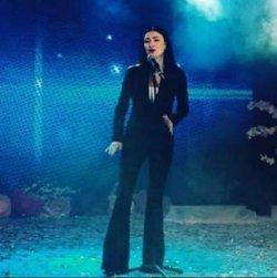 «Просто бомба»: Анастасия Приходько порадовала поклонников новым сценическим образом