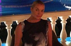 С Анастасии Волочковой съехало платье во время зажигательного танца