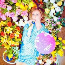 Полина Гагарина с размахом отметила День рождения