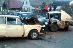 Столкновение трех «ВАЗов» под Харьковом: шесть человек — в больнице