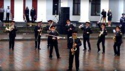 Оркестр Нацгвардии Украины сыграл хит про лабутены (ВИДЕО)