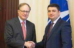 Гройсман выпросил помощи у НАТО