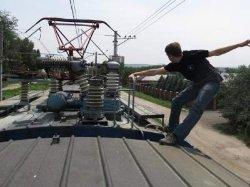 Черниговщина: подростка ударило током на крыше поезда