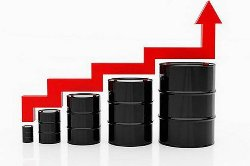 До конца апреля цены на бензин поднимутся вне зависимости от курса доллара