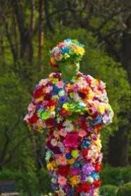 В киевском ботсаду появился «цветочный человек»