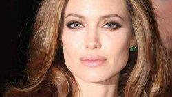 Анджелина Джоли развеяла все слухи о болезни и рассказала о планах на будущее