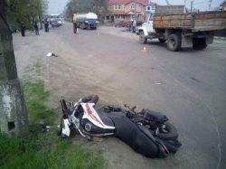 Ровенщина: несовершеннолетний мотоциклист насмерть сбил 9-летнюю девочку