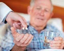 Депутаты уточнили правовые нормы пенсий ухаживающим за престарелыми