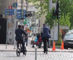 Кличко на себе испытал «прелести» киевских дорог, перелетев через руль