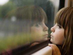 В Харькове 6-летняя девочка выпрыгнула со второго этажа