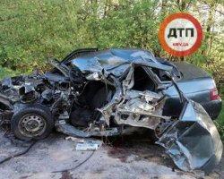 Смертельное ДТП на Хмельнитчине: автомобиль за секунду превратился в груду металлолома