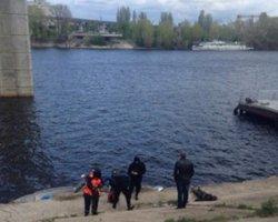 Киев: в реке обнаружен труп пропавшей несовершеннолетней девушки