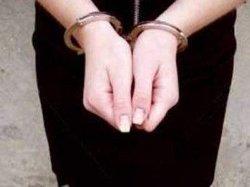Чиновница ГФС пыталась покончить с собой во время задержания