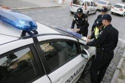 На Киевщине хулиган набросился с ножом на полицейского