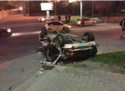 В Харькове автомобиль за долю секунды превратился в кусок металлолома