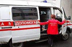 ДТП в Киеве: пьяный водитель мопеда на огромной скорости врезался в забор