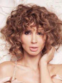Нежная сексуальность: Светлана Лобода в очаровательной фотосессии для украинского глянца