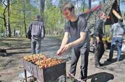 Названы места, где в Киеве официально разрешено жарить шашлыки
