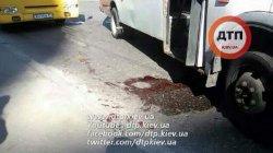 ДТП в Киеве: водитель маршрутки разобрался с нарушителем с помощью ножа
