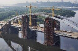 В Киеве нетрезвый подросток сорвался с моста