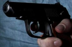 В Киеве бандит с оружием напал на офис по выдаче кредитов