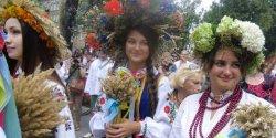 Украинцы предлагают День вышиванки сделать государственным праздником