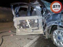 Смертельное ДТП под Киевом: пьяный водитель врезался в забор