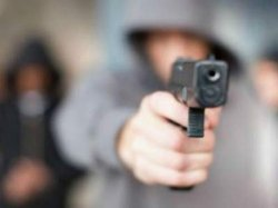 ЧП в Днепропетровске: бандиты стреляли по мужчине в магазине