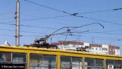 В Харькове трамвай потерял пантограф