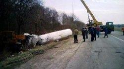 «Алкогольное» ДТП: на Черкасчине перевернулась фура с газом