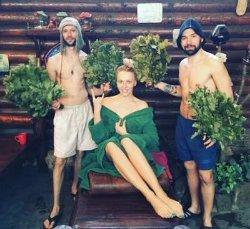 Оля Полякова попарилась в бане с двумя мужчинами