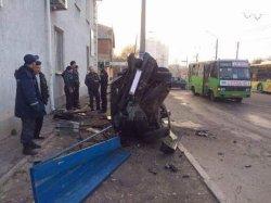 ДТП в Харькове: лихач на иномарке кувыркался по всей дороге