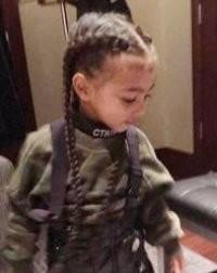 Коса до пояса: Ким Кардашьян нарастила волосы маленькой дочке